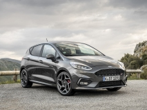 2018FordFiesta_MAGNETIC_ST_02