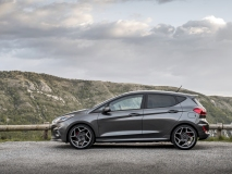 2018FordFiesta_MAGNETIC_ST_03
