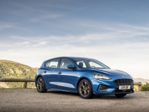 2018_FORD_FOCUS_DRIVE_ST-LINE__01