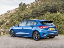 2018_FORD_FOCUS_DRIVE_ST-LINE__03