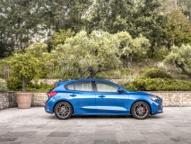 2018_FORD_FOCUS_DRIVE_ST-LINE__04