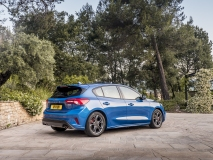 2018_FORD_FOCUS_DRIVE_ST-LINE__05