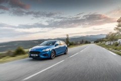 2018_FORD_FOCUS_DRIVE_ST-LINE__09
