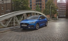 2021_FORD_FOCUS_ST-LINE_OUTDOOR_01