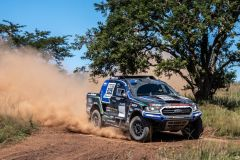 Ford-Castrol-Cross-Country-Team-Neil-Woolridge-Motorsport-FIA-Ford-Ranger-Exterior-005-Front-Three-Quarters