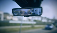 Ford 'Smart Mirror' Ensures Van Drivers Can Clearly See Cyclists, Pedestrians and Other Vehicles Behind