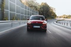 Ford-Kuga_filipblank-52